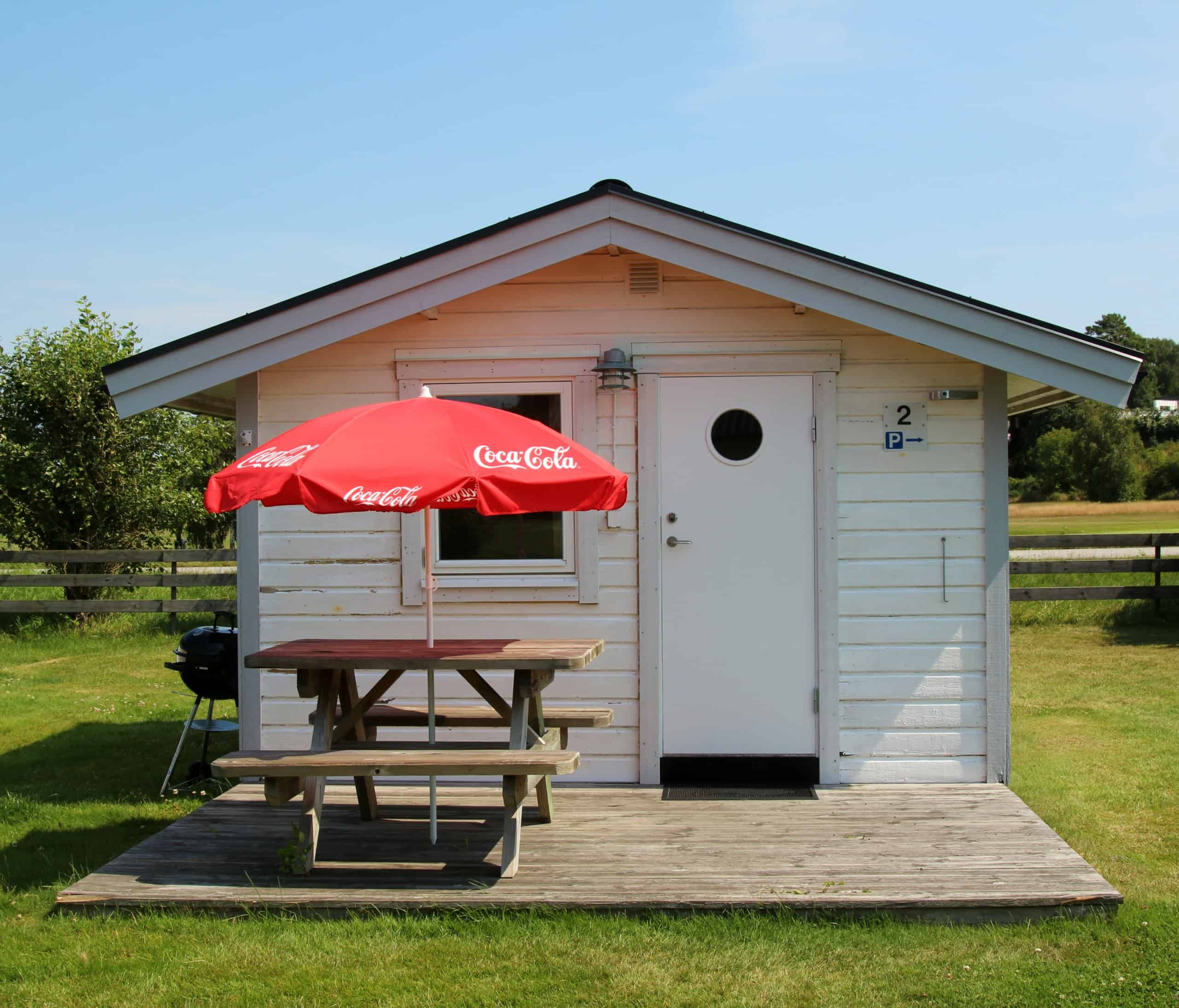Camping cabin (2 beds, 10 sqm, no WC / shower)